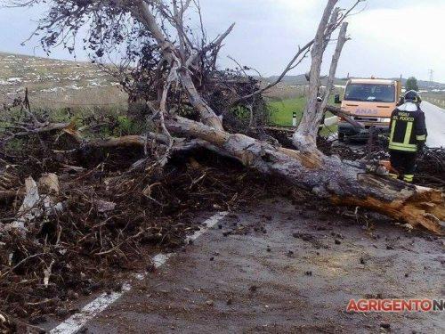 Maltempo nell'Agrigentino: trombe d'aria, allagamenti e strade chiuse